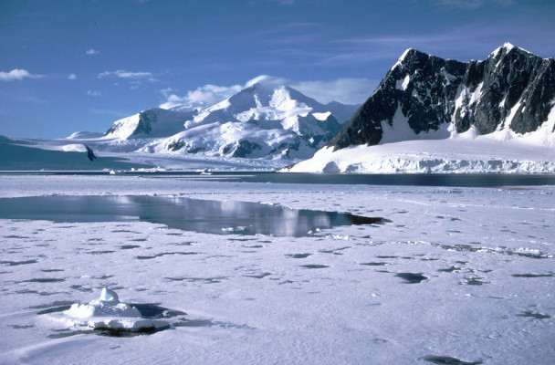 sea-ice-around-antarctica